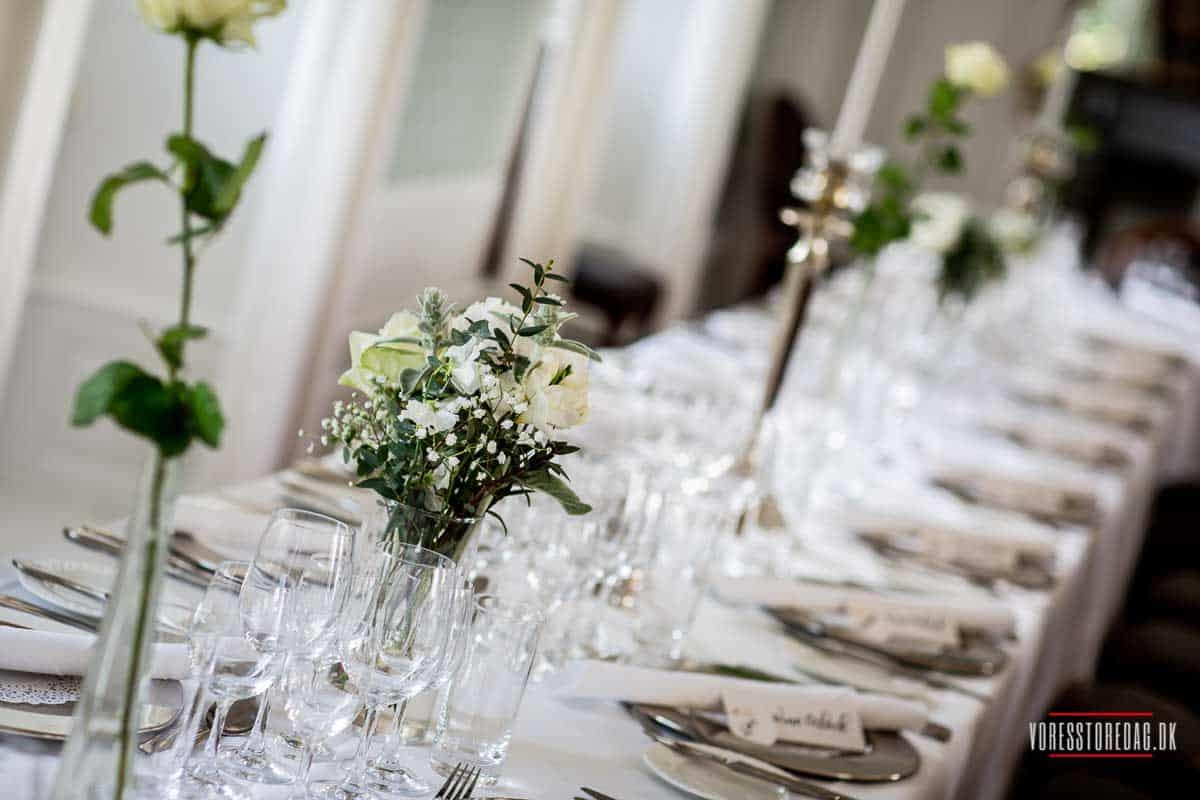 Bryllup på Vrå Slotshotel i Nordjylland.