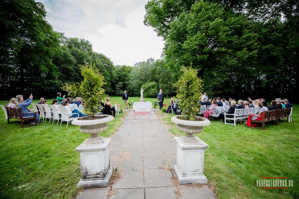Vrå Slotshotel bryllup på en smuk og skøn dag i Nordjylland