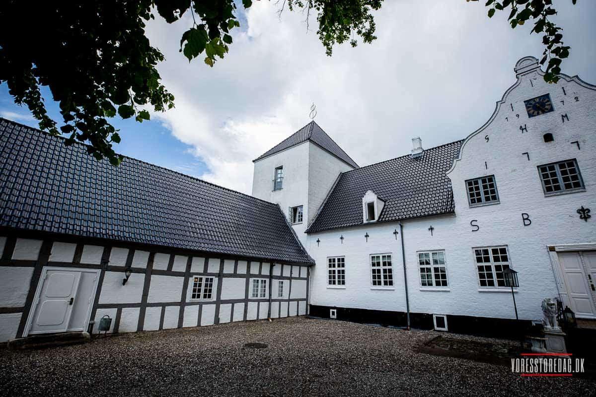 Vraa Slotshotel tilbyder eksklusive slotsophold i naturskønne områder