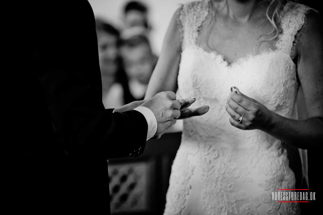 Vi holdte vores bryllup på tyrstrup kro og der er bare så dejligt.