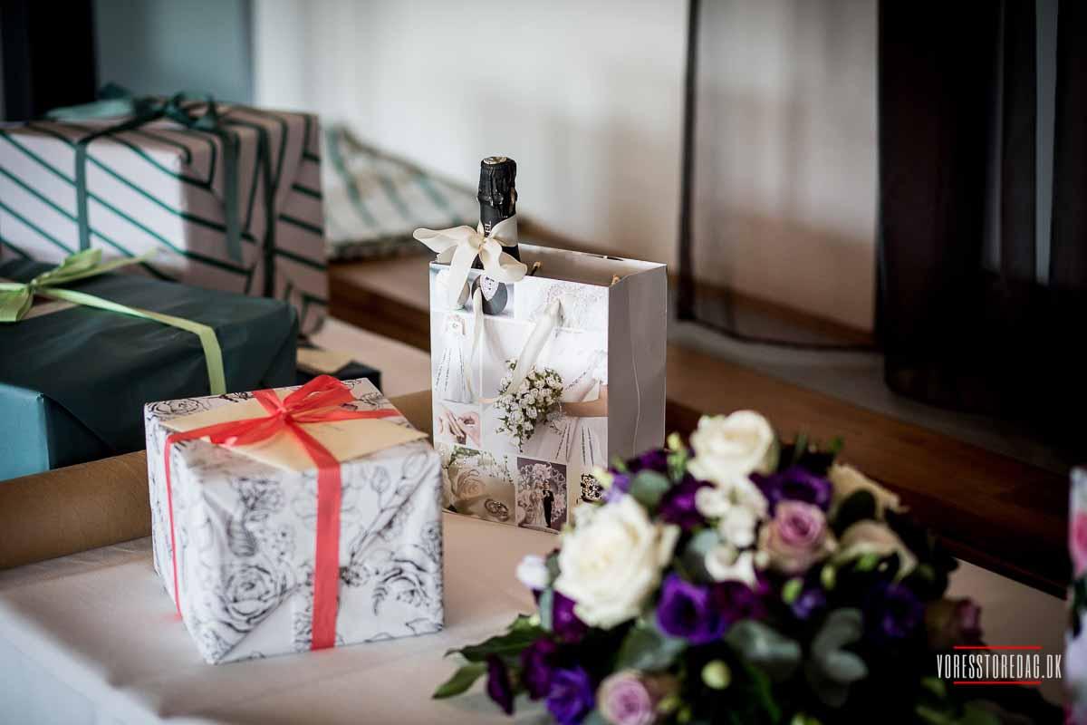 Bryllupsfotografering i Garnisionskirken, Kastellet og Admiral Hotel.