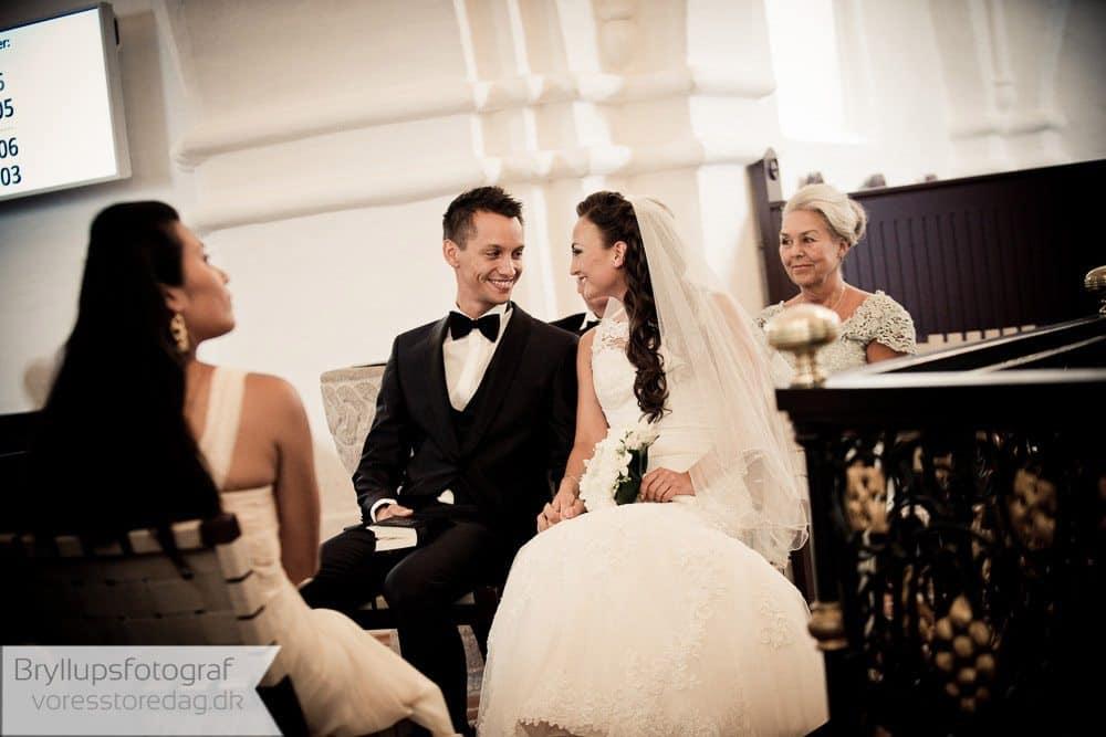 Fotografering af bryllup i Brabrand kirke