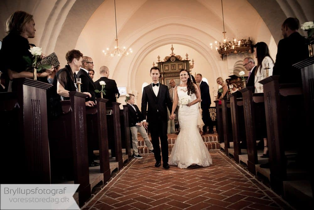 brabrand kirke11-bryllupsfoto-2