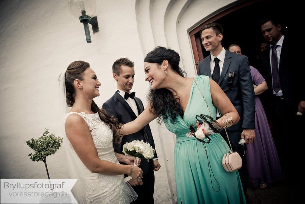 brabrand kirke14-bryllupsfoto-2