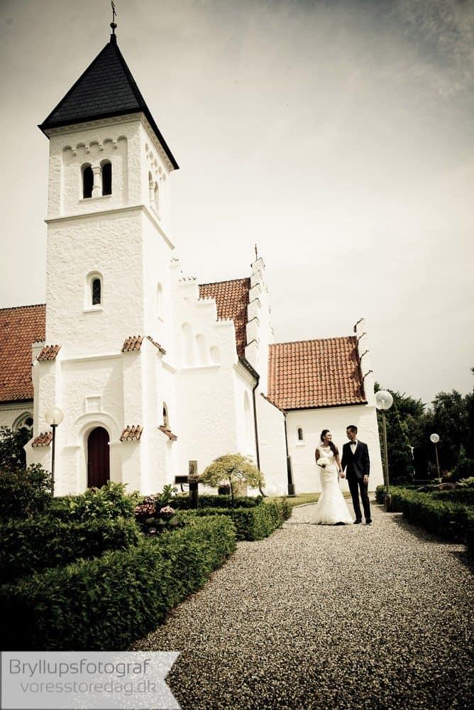 brabrand kirke21-bryllupsfoto-2