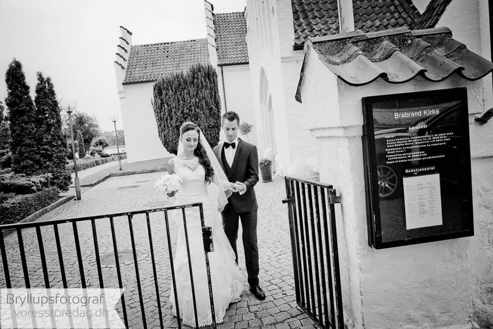 brabrand kirke22-bryllupsfoto-2