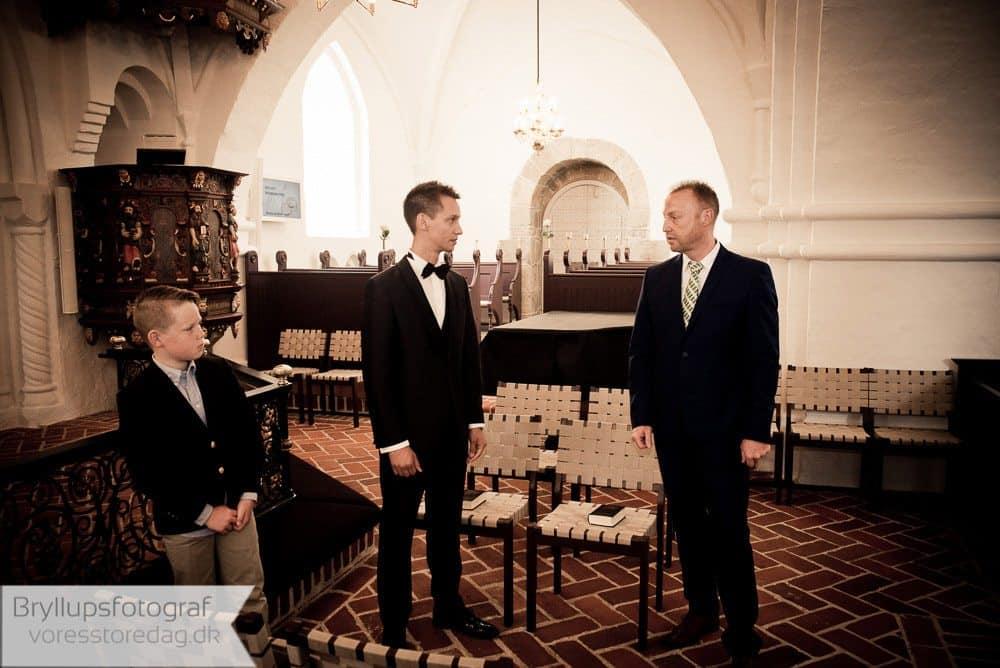 brabrand kirke3-bryllupsfoto-2