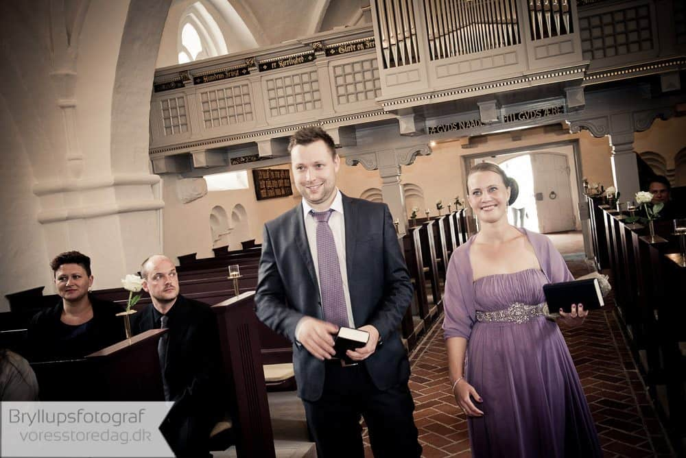 brabrand kirke4-bryllupsfoto-2