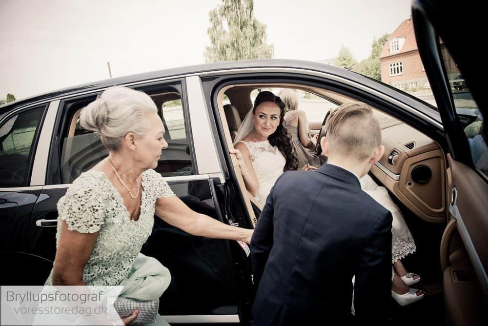 brabrand kirke5-bryllupsfoto-2