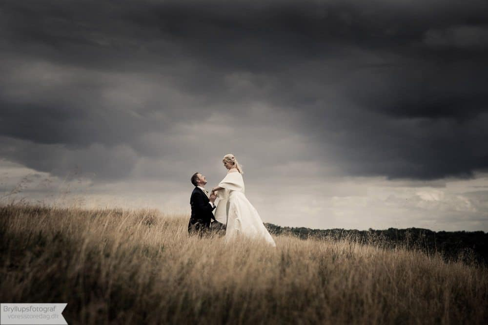 brudepar i naturen ved Viborg