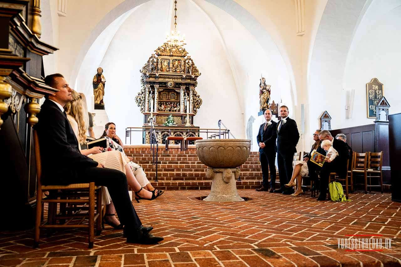 9800 Hjørring ... Sankt Catharinæ Kirke er en korskirke