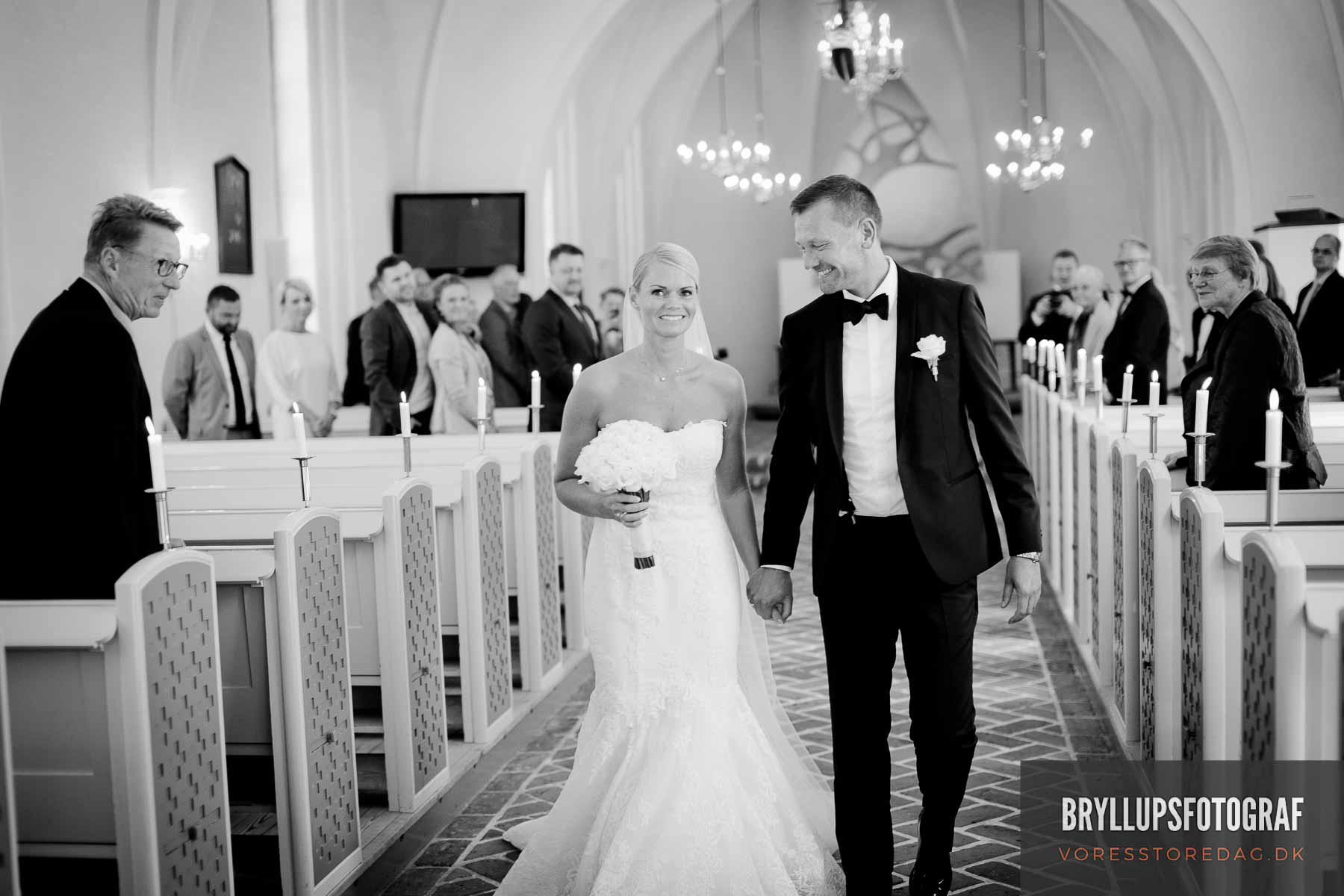 tillykke til brudeparret ved Mølholm Kirke