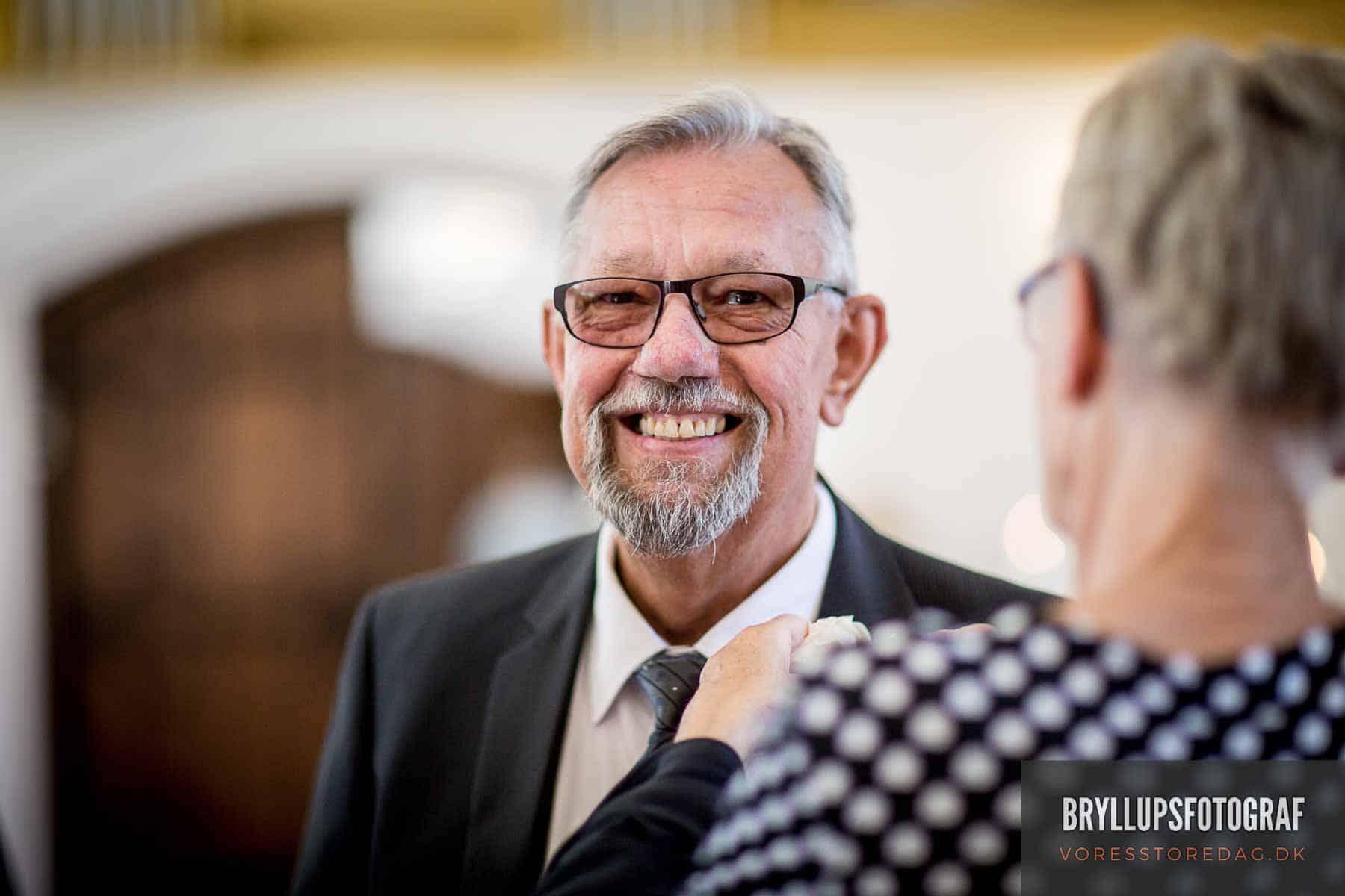 far til bruden Mølholm Kirke bryllup