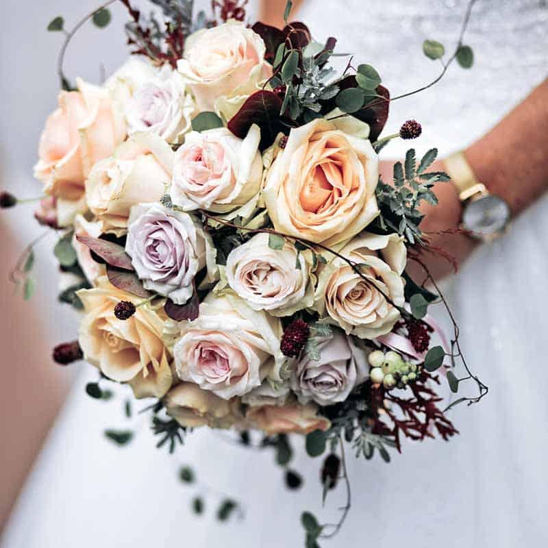 Leder du efter en bryllupsfotograf FYN?