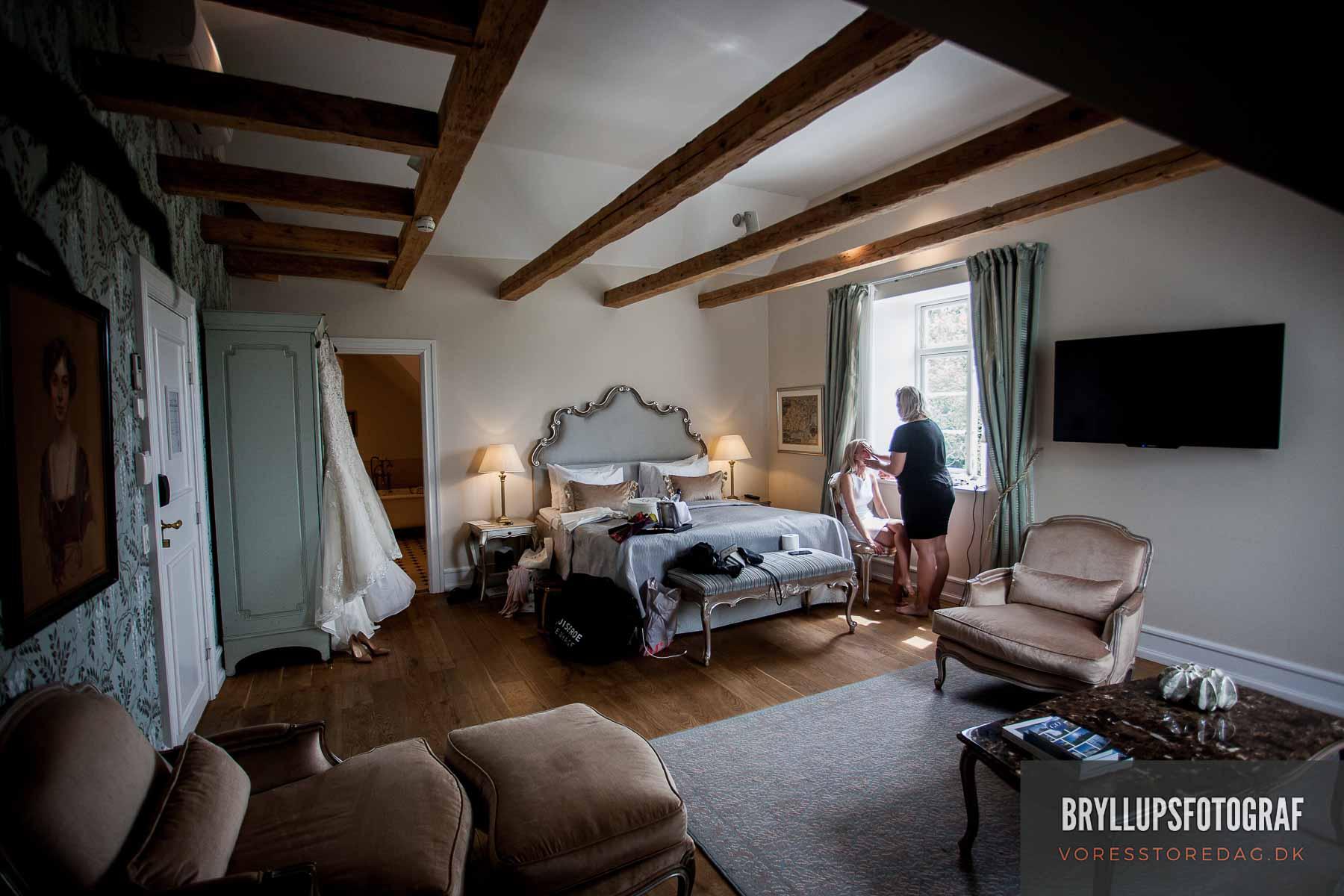 brudens forberedelse Kokkedal slot