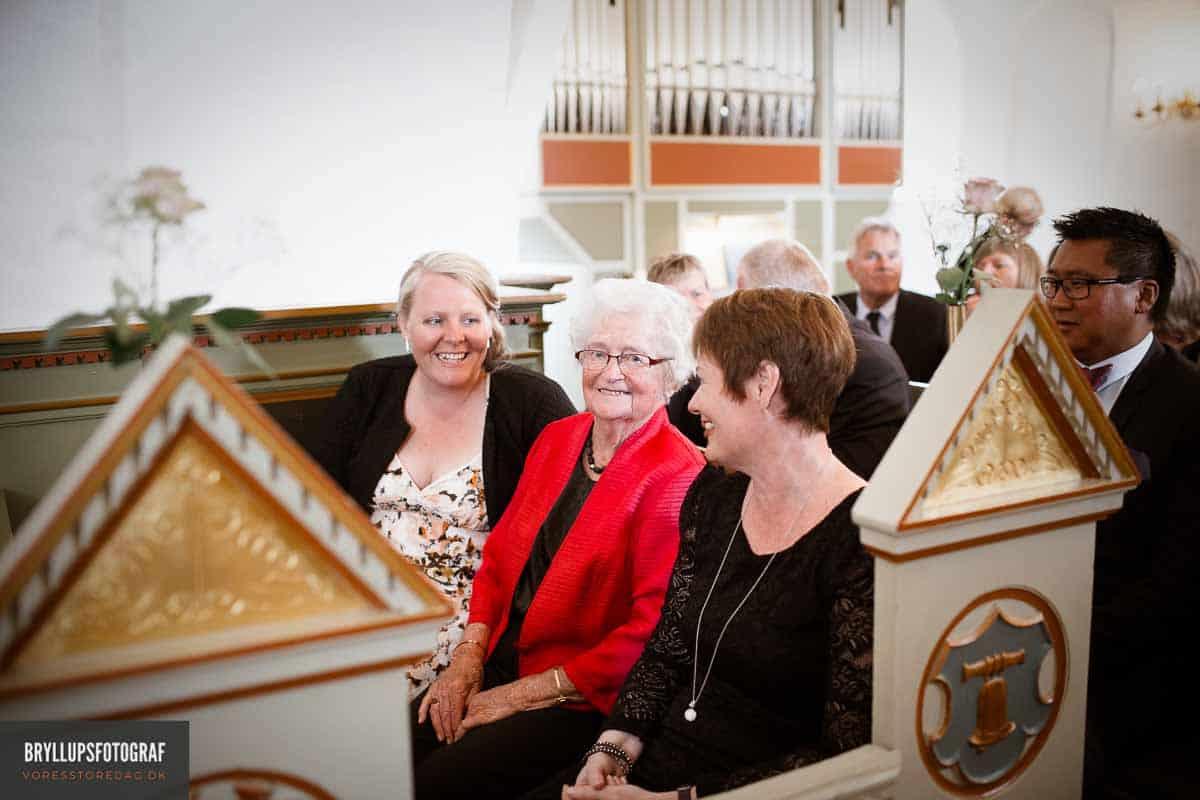 bryllupsgæster i Vadum Kirke