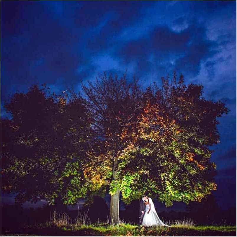 Bryllupsfotografer til fotografering af smukke bryllupsbillede.
