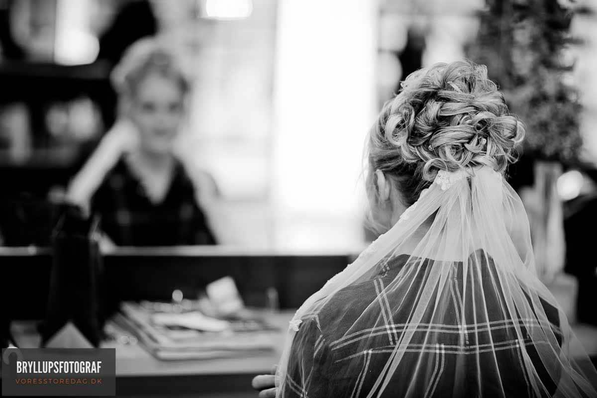 Brud ved frisøren