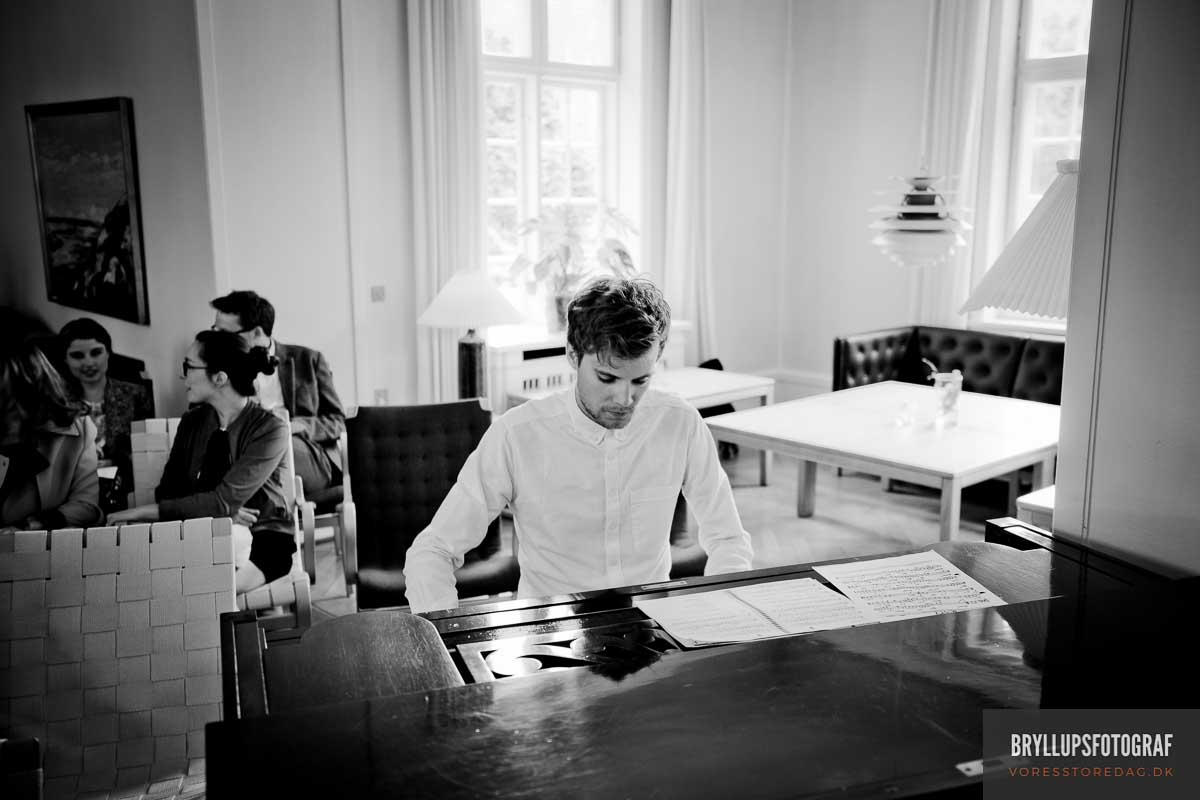 pianist bryllup Skarrildhus