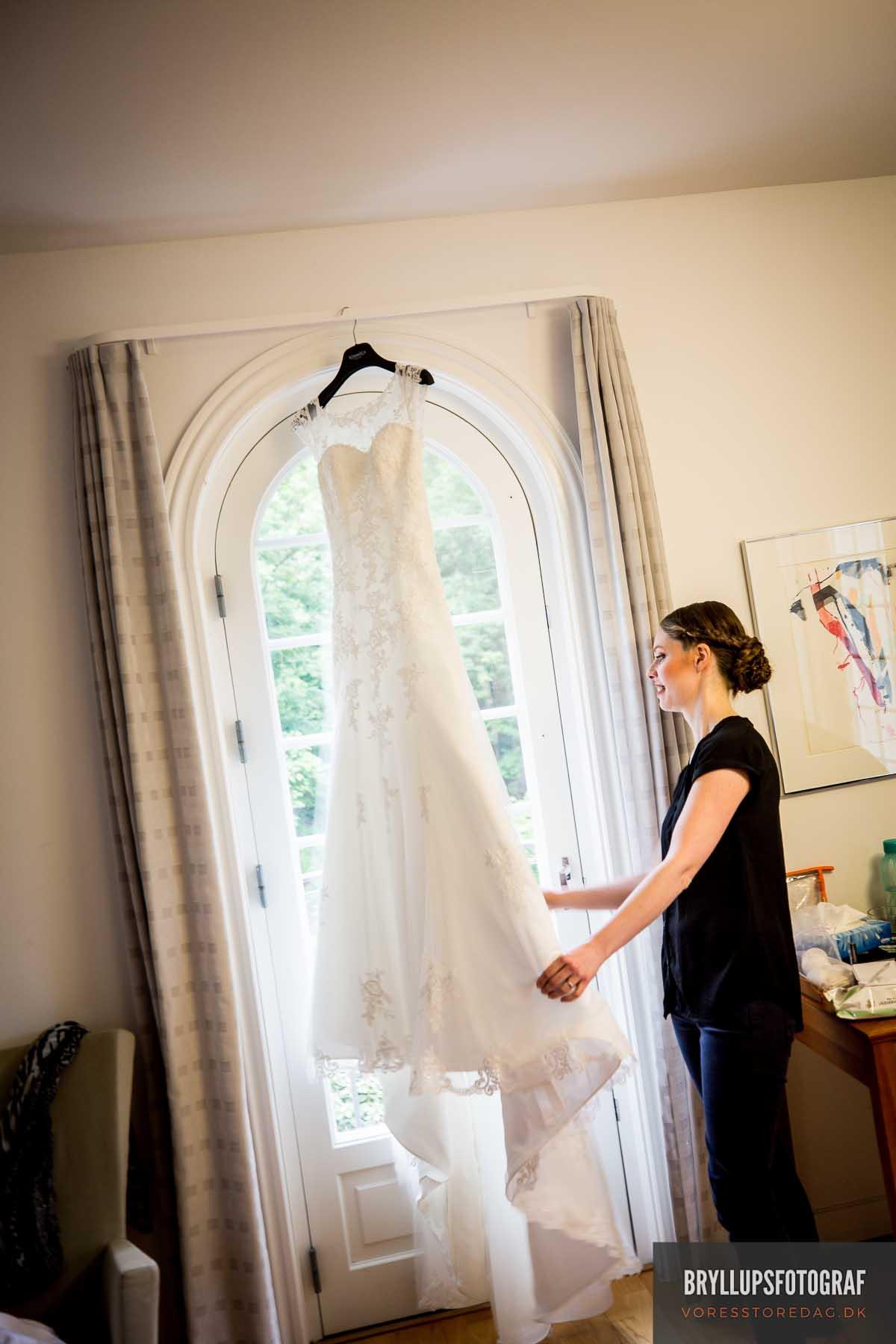 brudekjolen skarrildhus