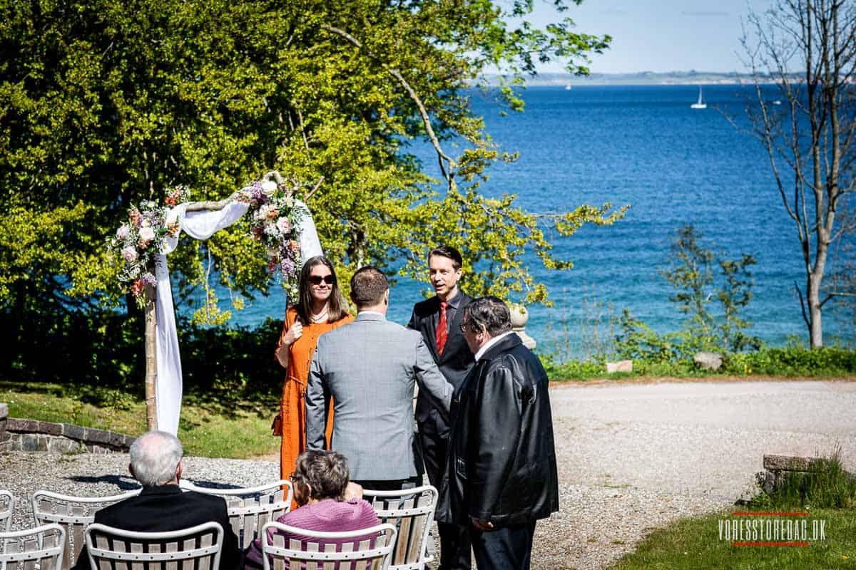 bryllupsgæster borgerlig vielse Varna Palæet