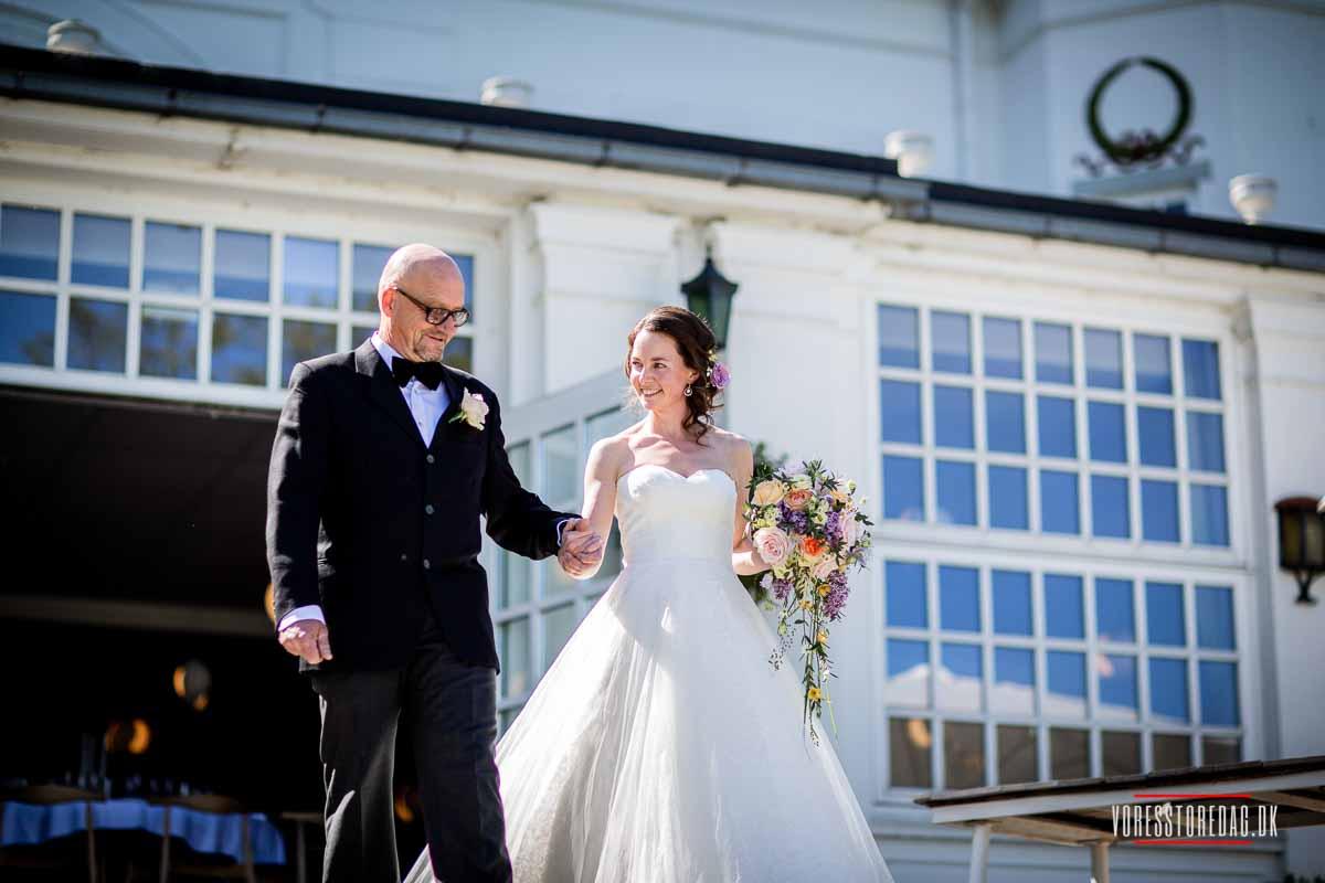 bruden med sin far ved Varna