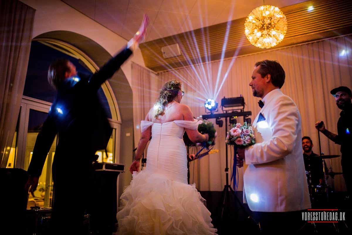 Smukke, unikke bryllupsbilleder. Bestil i dag og få et godt tilbud. Bryllupper. Den store fest.