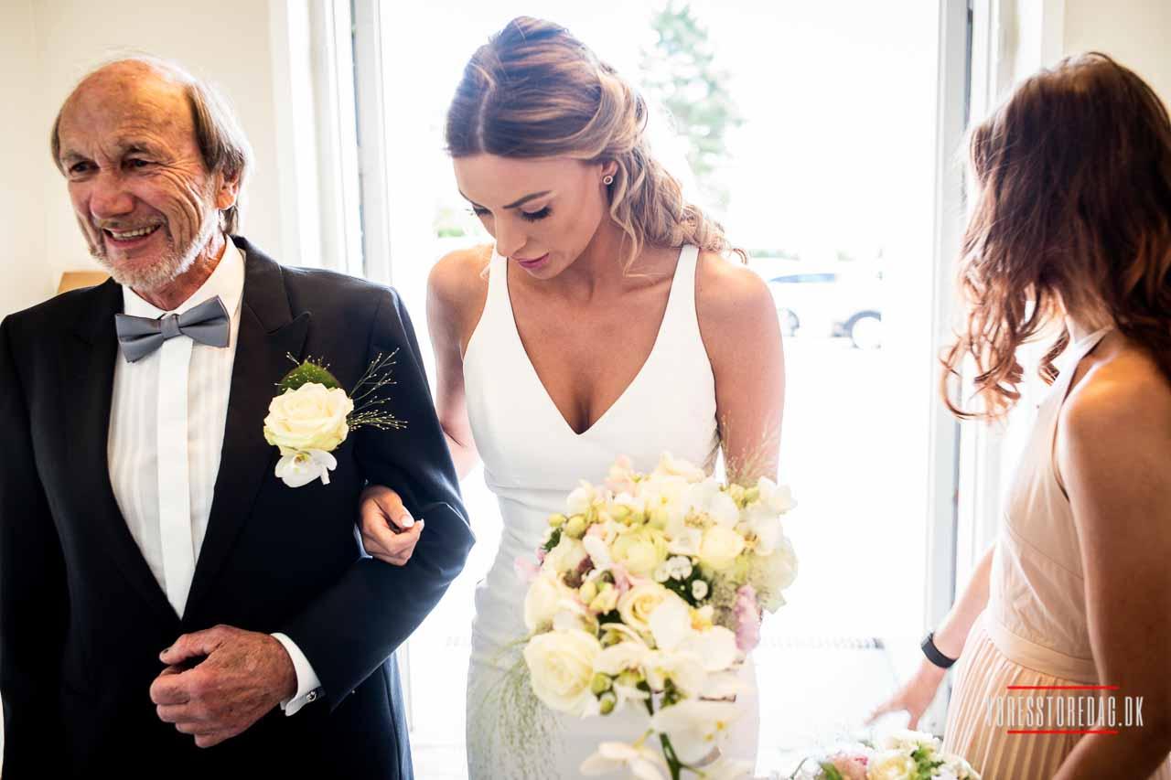Hemmeligheden bag bryllupsfotografering er kendskab til den rette teknik, reaktionshastigheden, indsigt i brylluppet, du skal fotografere