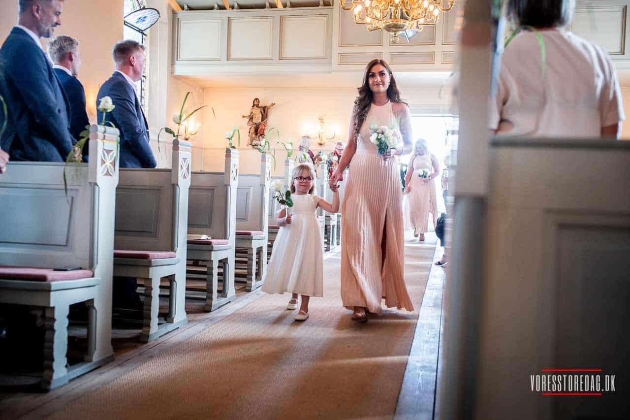 Søger i en stabil og engageret fotograf til jeres bryllup