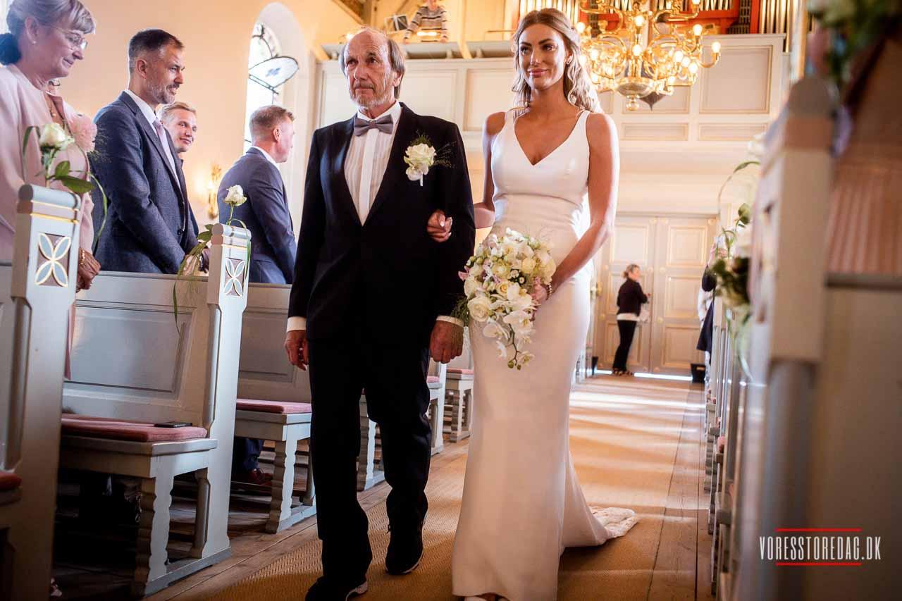 Sådan vælger I den rette bryllupsfotograf