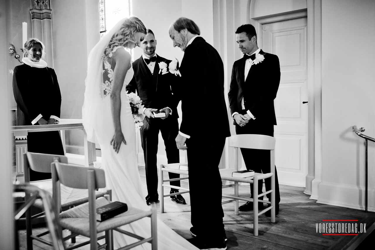 Bryllupsfotograf - Unikke bryllupsbilleder til en god pris. I hele landet