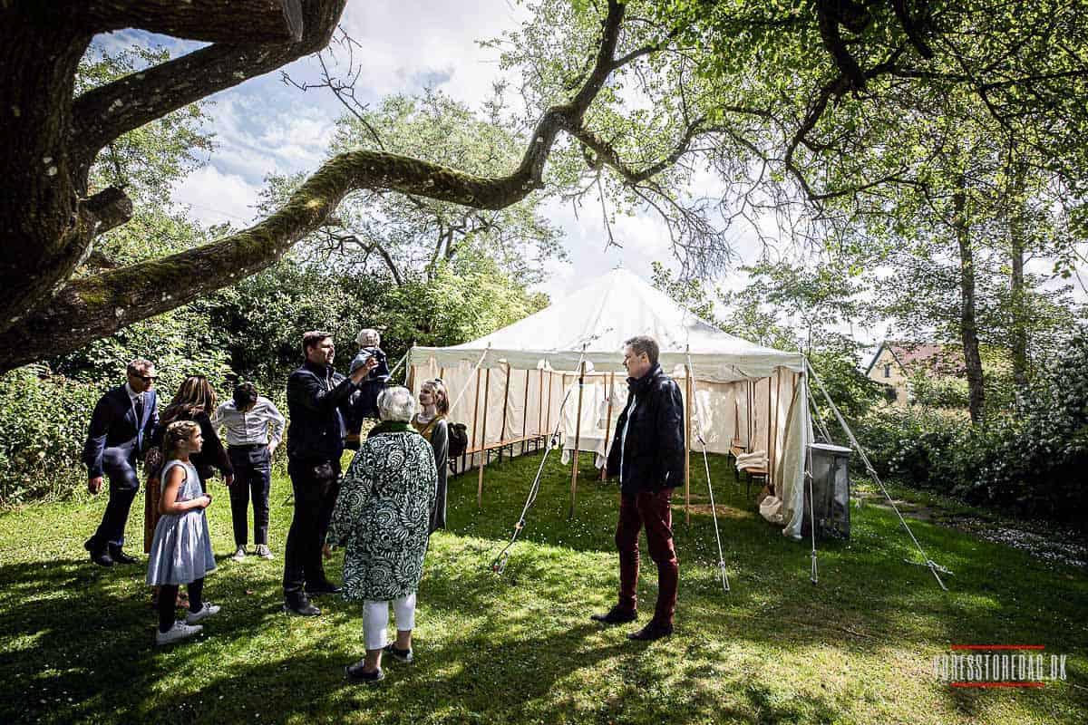 Gæster ved bryllup på Livø