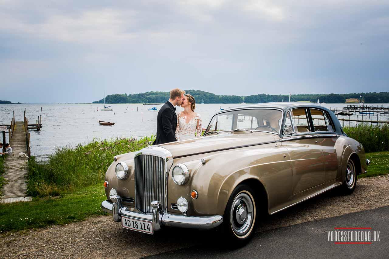 Bryllupskørsel på Fyn - Find unik bryllupsbil på Fyn her