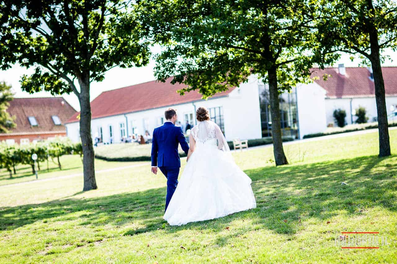 stemningsmættede billeder i reportagestil fra bryllupsdagen
