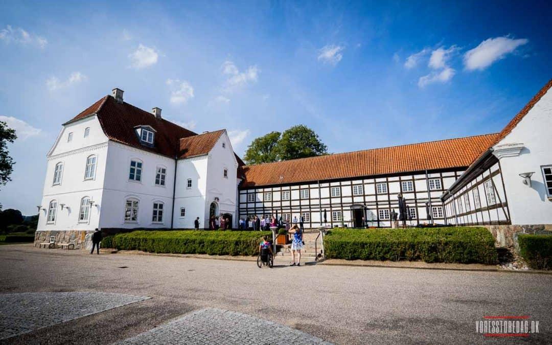 Blandt bakker og bøgetræer i Vejle Ådal ligger Haraldskær