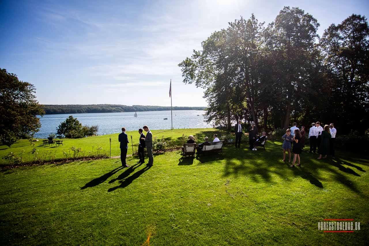 Stella Maris er et hotel med en fantastisk beliggenhed direkte ned til Svendborg Sund