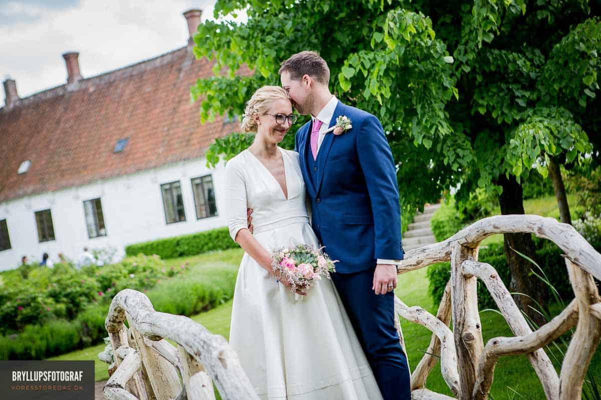 Godsets gamle lade pyntet op til bryllup