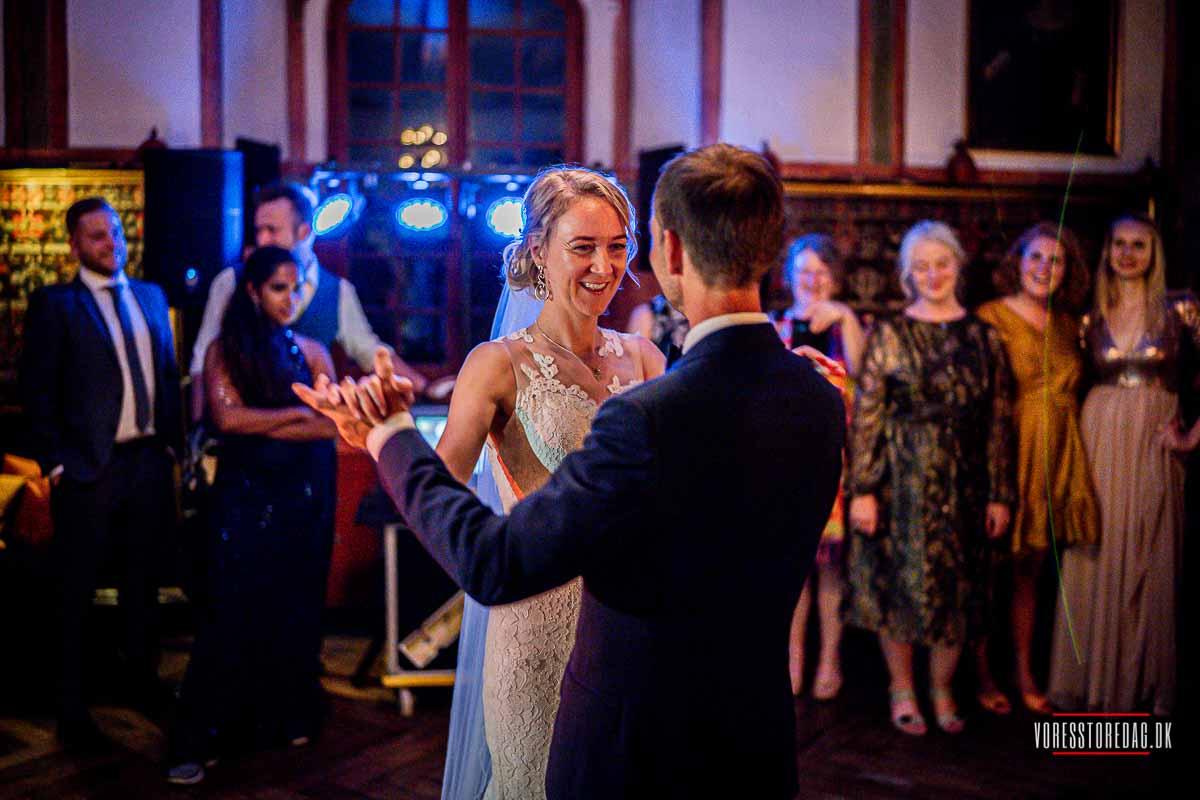 brudevals på Broholm Slot