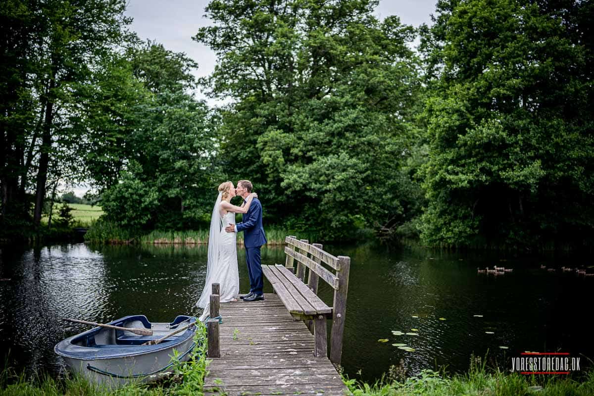Broholm Slot bryllup | Vinterbryllup, Bryllupsfarver, Bryllupsnat