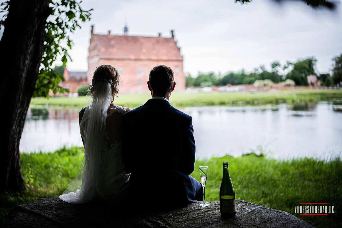 Broholm Slot byder velkommen med et stykke 700 år gammel danmarkshistorie