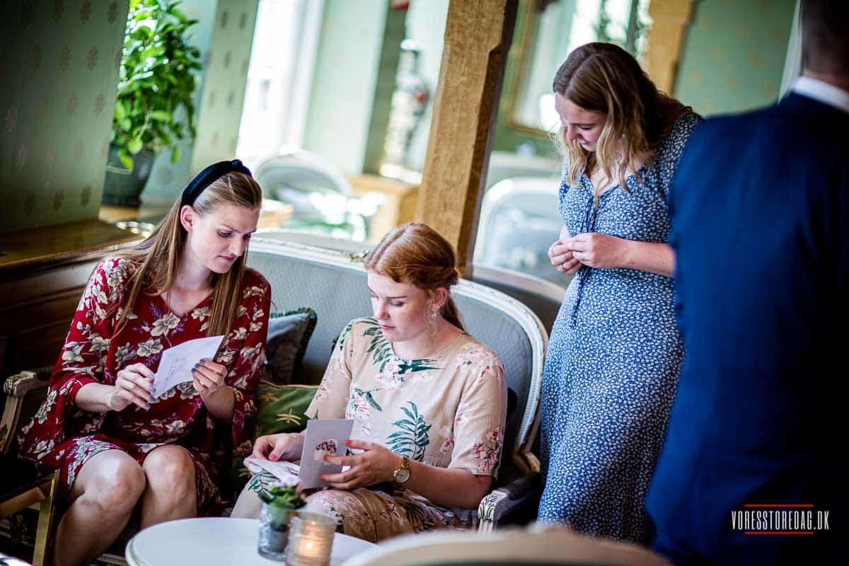 bryllupsgæster på Dyvig Badehotel