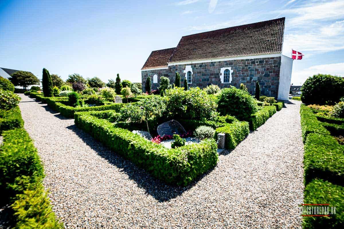 Kirke i Hjørring og herefter bryllup og fest