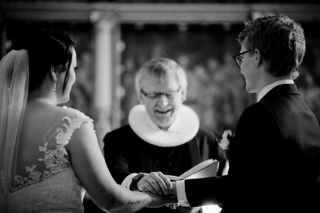 naturlige og varme bryllupsbilleder