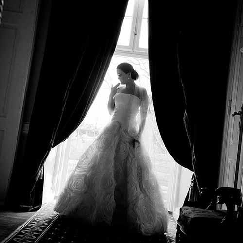 brud og brudekjole sort Hvid